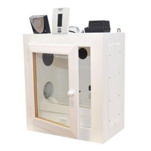 Jaula enfermeria Insonorizada Descripción: Jaula en madera con cierre a presión, con termostato y luz interior. Dimensiones: 37 ↔ x 42 ↕ x 22.5 fondo (cm) .