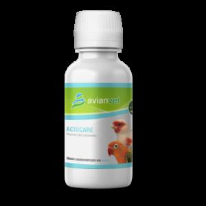 """Acidcare Avianvet es un producto novedoso con múltiples propiedades para los pájaros que se administra en el agua de bebida. Un producto """"todo en uno"""" que actúa como acidificante, antibacteriano y antifúngico, estimulante del sistema inmune, detoxificante y protector hepático y tiene una gran efectividad frente a las coccidiosis en los pájaros."""